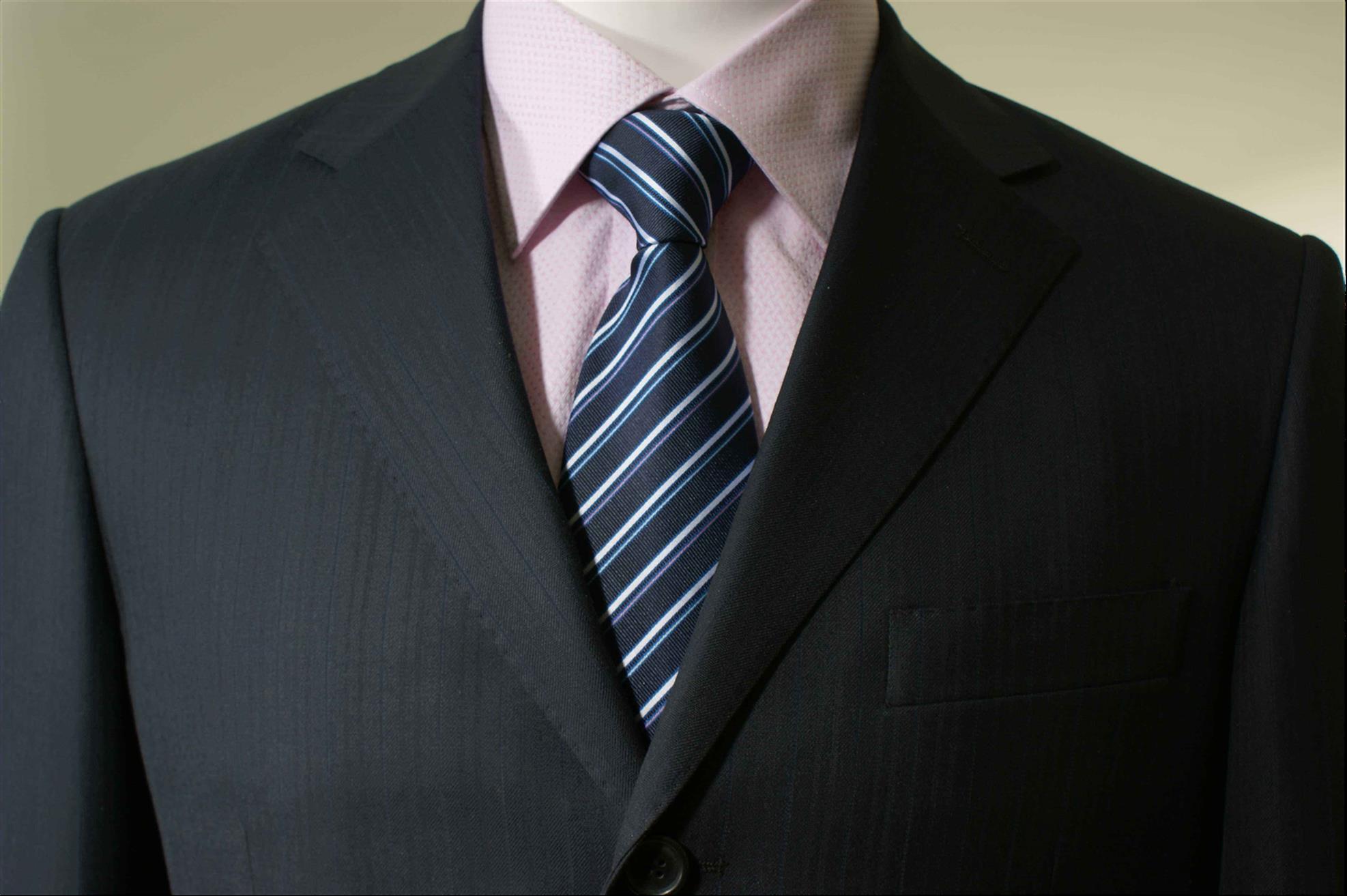 平川结婚服装定做哪家好 免费量体裁衣 睿仕西服定制