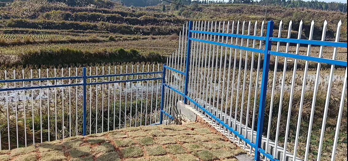 护栏网又称为防护网,隔离栅.