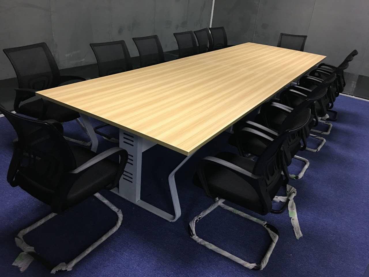 深圳会议桌网上商城 让您享受家一般的会议桌环境 薄利城
