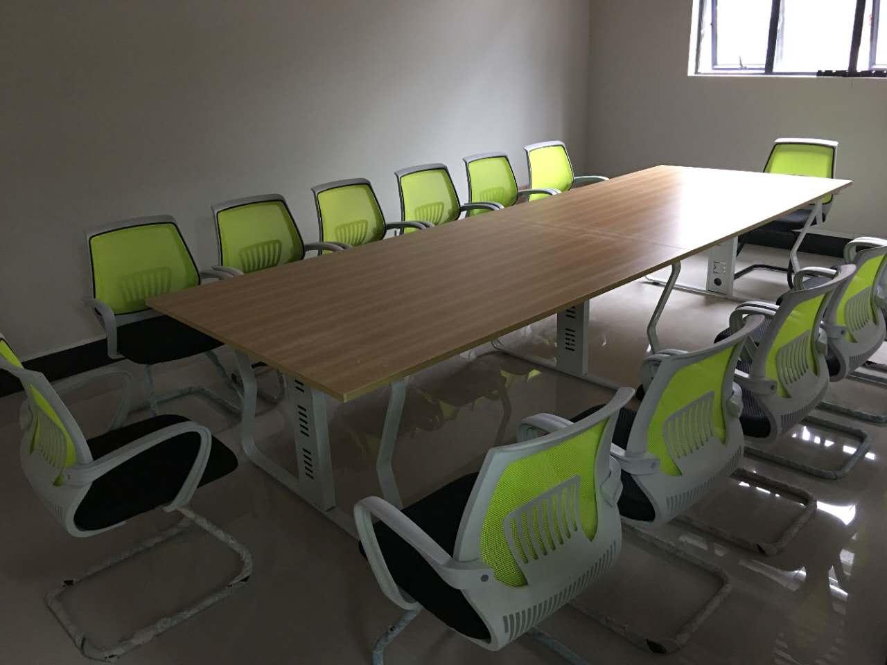 深圳横岗会议桌网上商城 让您享受家一般的会议桌环境