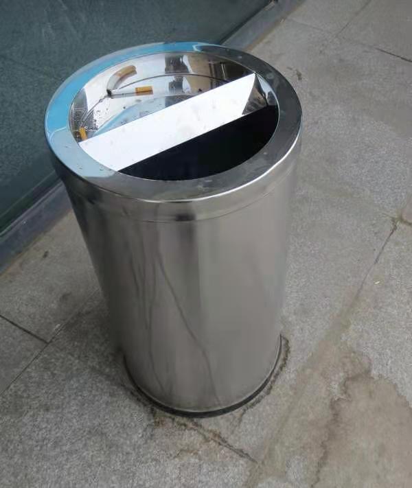 洛阳户外垃圾桶厂家-木头垃圾桶