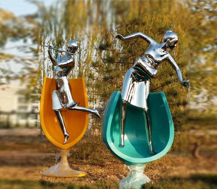 不锈钢抽象运动雕塑-不锈钢材质雕塑