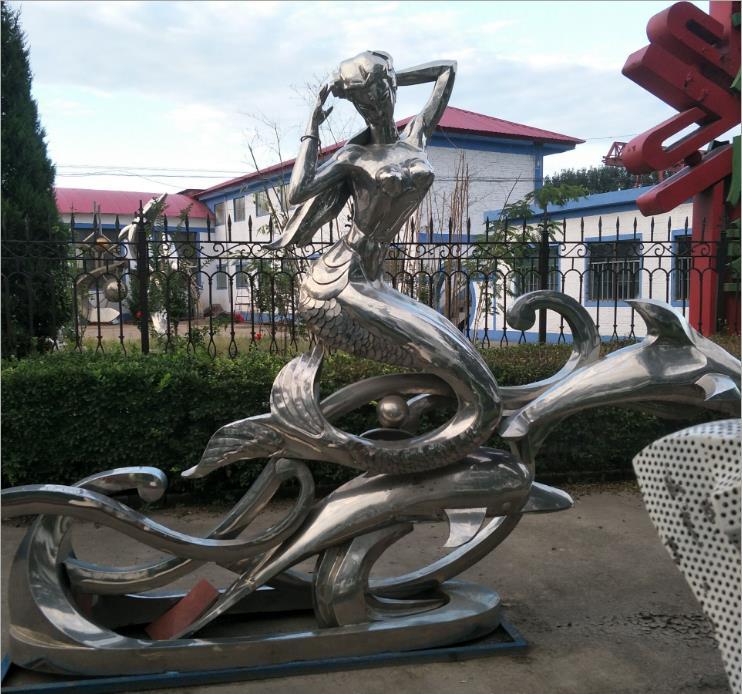 不锈钢人体雕塑