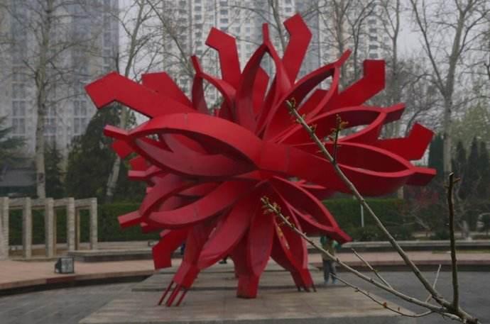 不锈钢棍雕塑