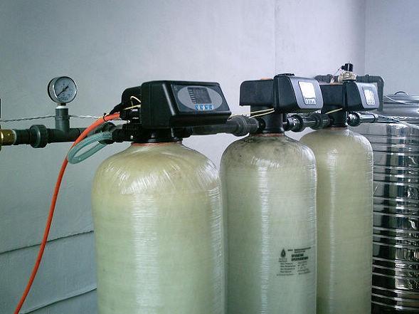 信阳10吨软化水设备报价表 水软化设备