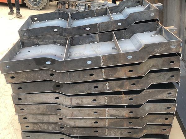 高速防撞墙钢模具生产厂家 来图定制