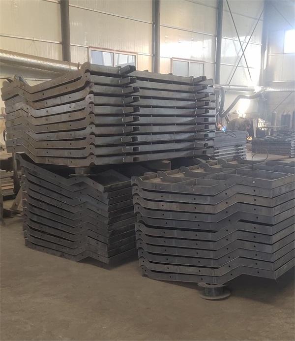 混凝土防撞墙钢模具报价单 来图定制