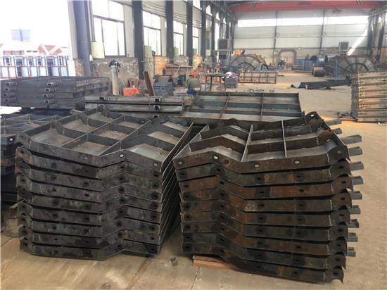 铁路防护栏钢模具报价表 经验丰富