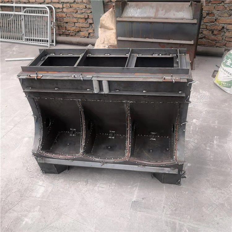 水泥漏粪板模具-成都养猪食槽模具生产厂家